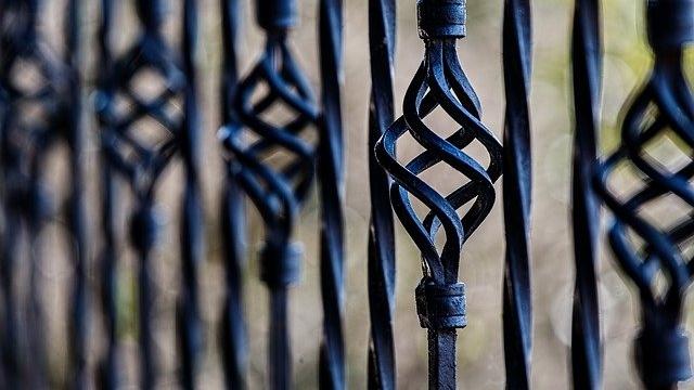 fence-450670_640