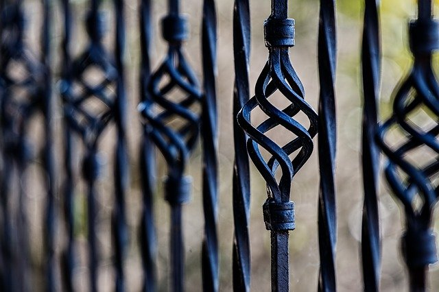 fence-450670_640